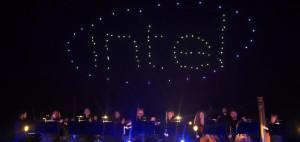 Coreografia di droni luminosi alla Intel. Uno spettacolo da non perdere, il video