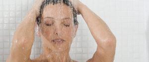 Lavarsi troppo modifica l'equilibrio naturale della pelle e si eliminano i batteri di supporto al sistema immunitario.