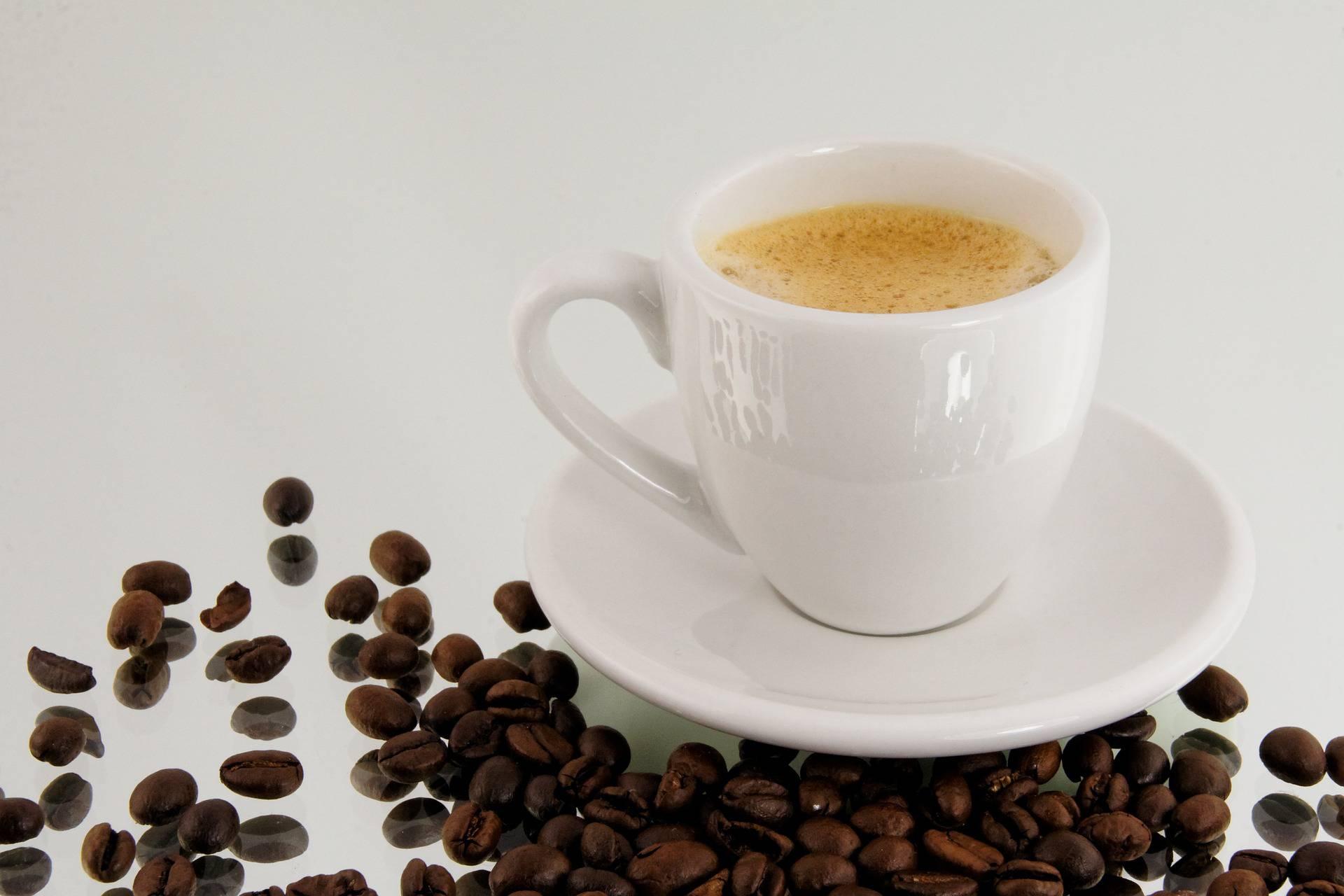Tre tazzine di caffè-al-giorno-proteggono-dalla-demenza