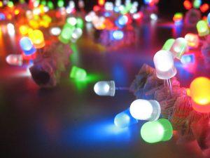 Led, diventano più brillanti e consumano meno energia, grazie alla scoperta di molecole organiche fosforescenti