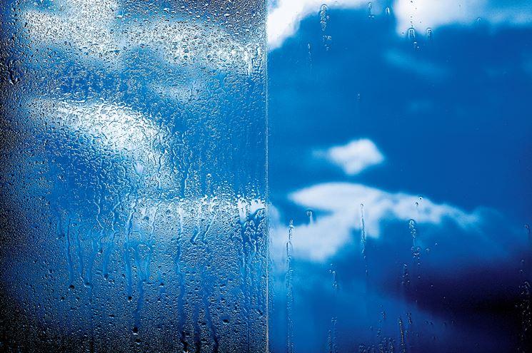 Pulizia dei vetri, ecco il vetro che si pulisce da solo