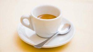 Benefici del caffè, un alleato contro la demenza
