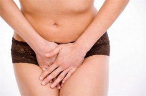 Clamidia, può provocare dolore nella zona del basso ventre