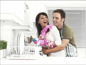 Vita sessuale più intensa se i lavori di casa si condividono