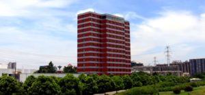 Cina, costruito in 6 giorni un albergo prefabbricato di 15 piani, il video
