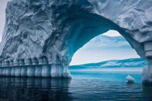 Paradosso climatico, al Polo Nord si sciolgono i ghiacciai, ma al Polo Sud aumentano